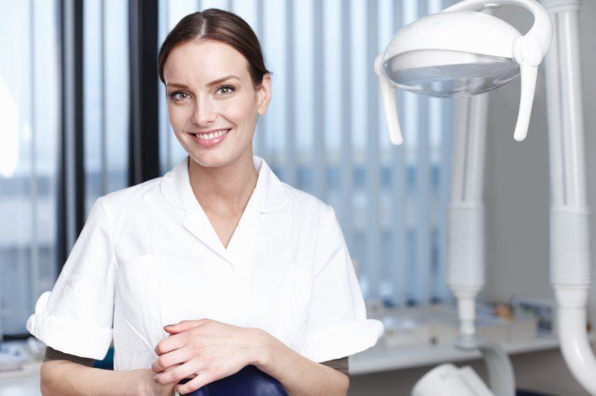 kvalifikuoti odontologai